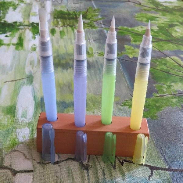 Wasserpinsel von Kuretake mit 4 Pinselspitzen