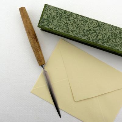 Brieföffner aus Robinie Maser - Made in Berlin